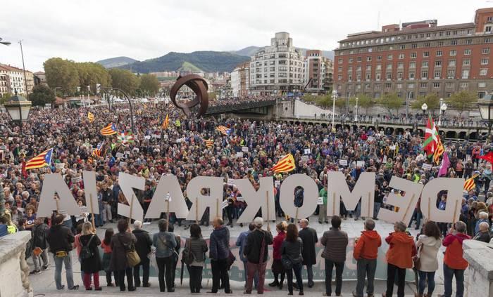 Bilboko manifestaziorako autobusak antolatu ditu Gure Esku Dagok