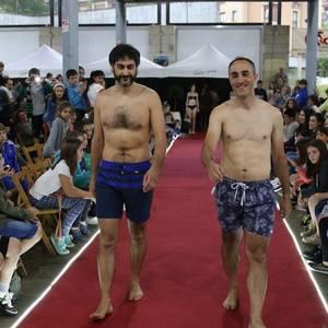 Ikusmin handia sortu du Oñatiko hainbat komertziok antolatutako desfileak