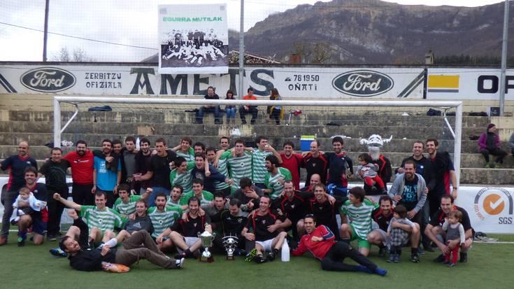 Dollygans taldeak irabazi du liga Oñatiko Herriko Futbol Txapelketan