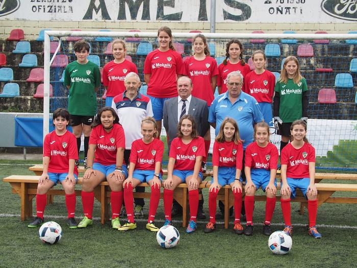 Aloña Mendi Kirol Elkarteko Futbol saileko talde guztiak aurkeztu dituzte - 16