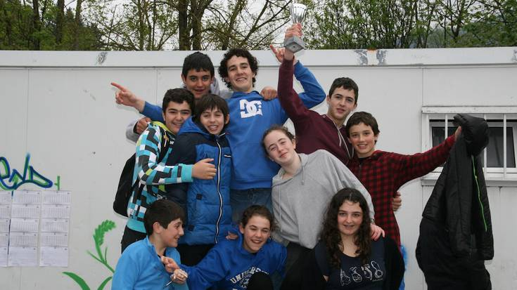 IGERIKETA: Beti Bustikoak, primeran Eskola Kiroleko Infantilen txapelketan