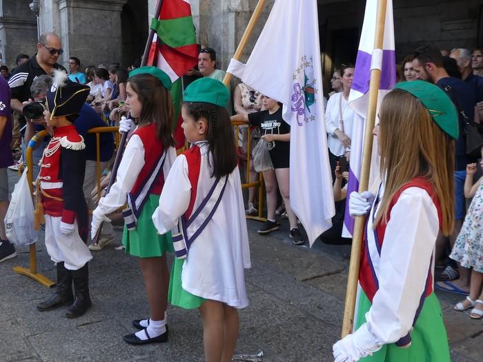 Txikitxoenek San Juan festetan murgildu dute herria - 32
