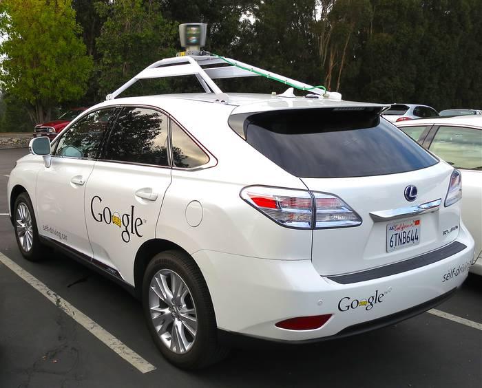 Gidari gabeko autoak jada  bidean probatu ditu Google-ek