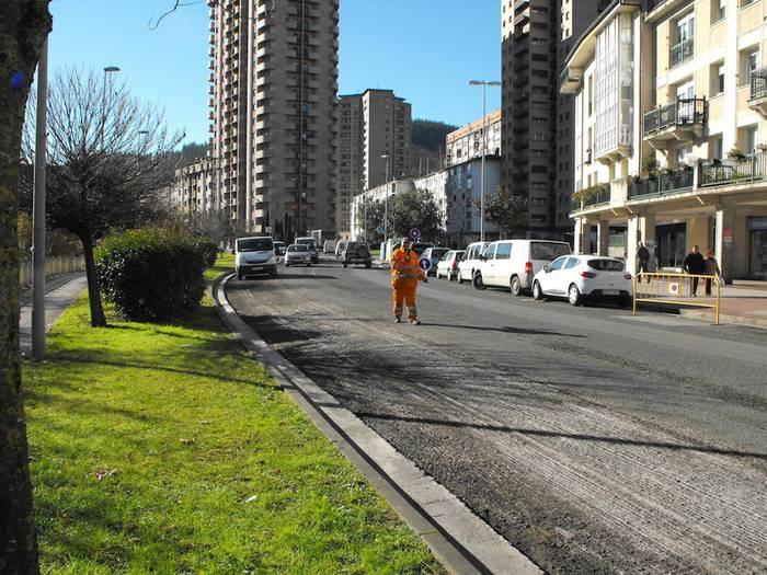Araba Etorbideko asfaltatze lanei ekingo diete ostegunean