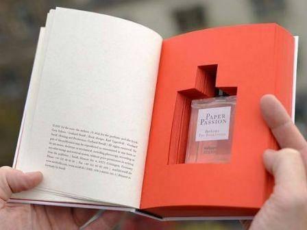 Perfumeak, literaturari usaina hartzeko