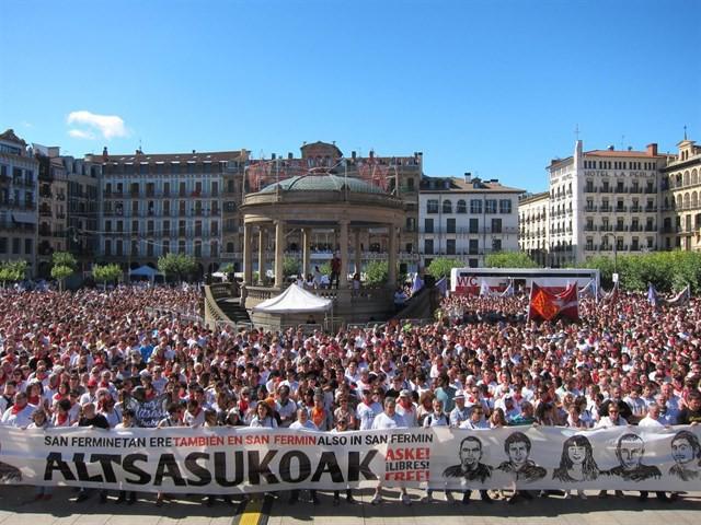 EH Bilduk dei egiten du Altsasuko gazteentzako justizia eskatzeko manifestazioan parte hartzera