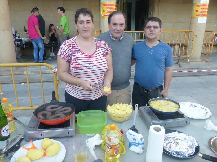 Jatunak S.A. taldekoek irabazi dute aurten Elgetako patata tortilla lehiaketa