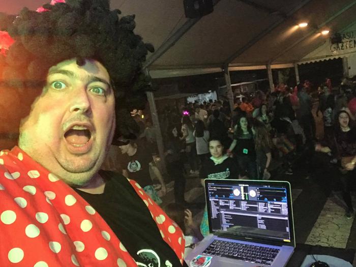 DJ Bull disko-jartzaileak girotuko du San Juan bezpera Elgetan