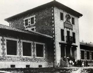Herriko hezkuntzaren historia argazkitan jasoa
