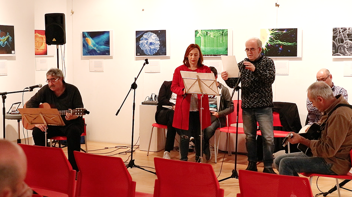 'Bizian bizi': poesiak eta musikak bat egiten dutenean