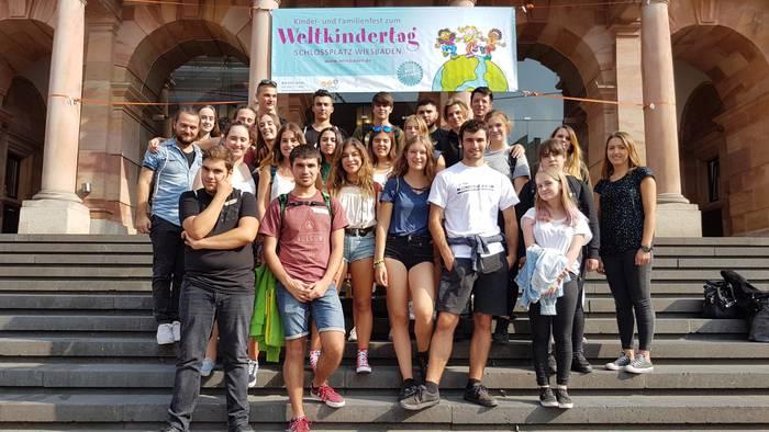 Bergarako hainbat gazte Wiesbaden hirian dira elkartrukean
