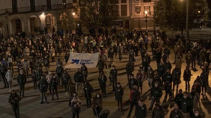"""Ehunka aretxabaletarrek eman dituzte urratsak """"bestelako espetxe politika baten alde"""""""