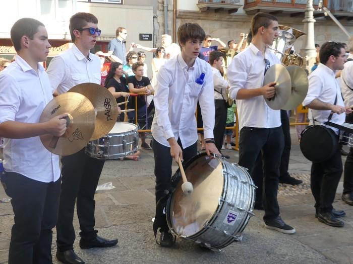 Txikitxoenek San Juan festetan murgildu dute herria - 30