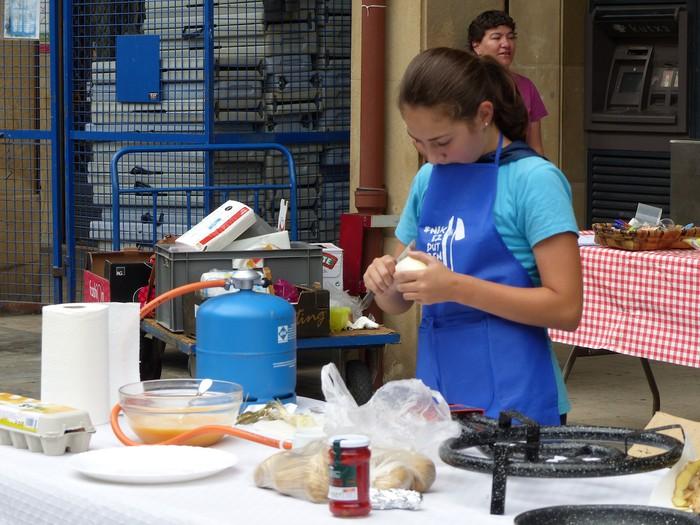 Patata tortilla lehiaketa Antzuolako jaietan - 13