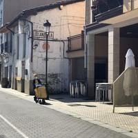 SOS Ostalaritzak deitutako manifestazioarekin bat egin du herriko ostalaritzak