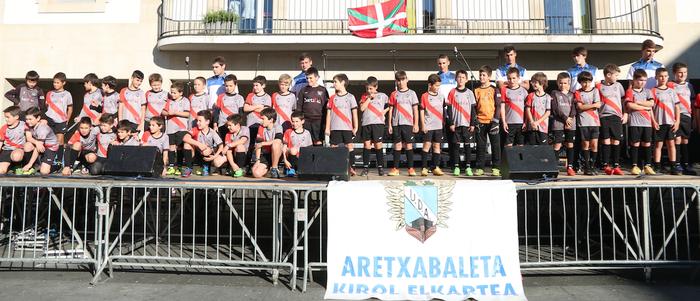 UDAko talde guztiei argazkiak aterako dizkiete gaur Ibarra futbol zelaian