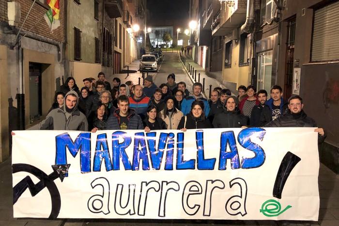 Maravillas gaztetxea babesteko aldarria Arrasaten, Iruñeko manifestaziora begira