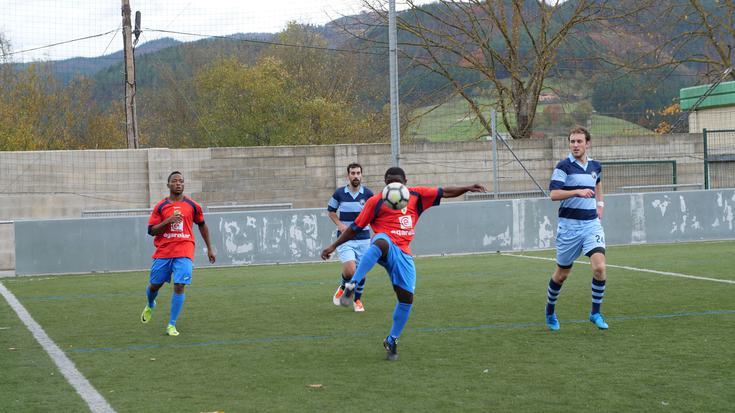 Ikusmina piztu du Larraña taldearen debutak