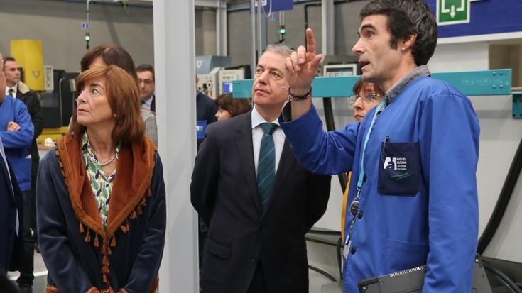 """Iñigo Urkullu: """"Miguel Altuna ikastetxea aitzindaria da Euskadiko Lanbide Heziketan"""""""