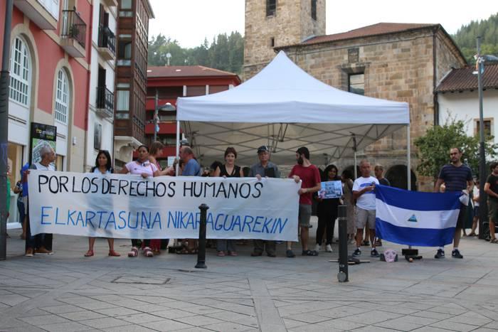 Nikaraguako egoerarekin kezkatuta