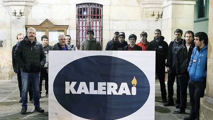 'Kalera Kalera' ekimena iritsi da Oñatira ere, itxialdi, hitzaldi, bazkari eta kontzertuekin