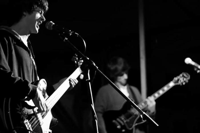Buzkantza eta rock and roll ugari Garagartzako jaietan