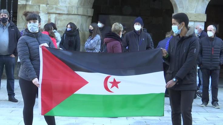 Sahararren autodeterminazio erreferenduma gauzatzea aldarrikatu dute