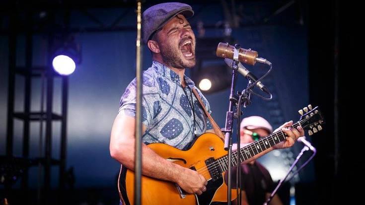 Ash Grunwald Band australiarren rock & blues doinuak, Espoloian