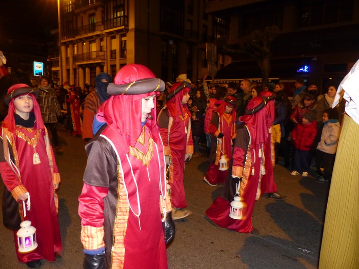 Errege Magoen desfile jendetsua Arrasaten - 21