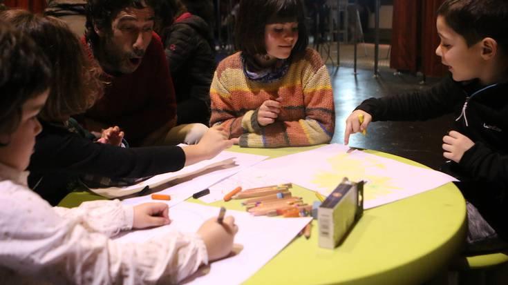 Artista txikien bilgune izan da arratsaldean Spaloia
