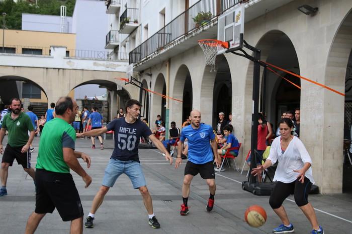 Uztaipeko ikuskizuna Aretxabaletako Herriko Plazan - 8