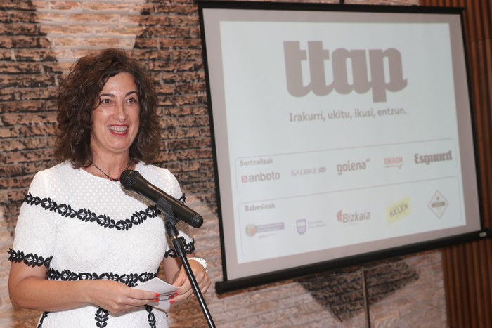'Ttap' aldizkaria ezagutzeko jende asko elkartu da Donostian - 53