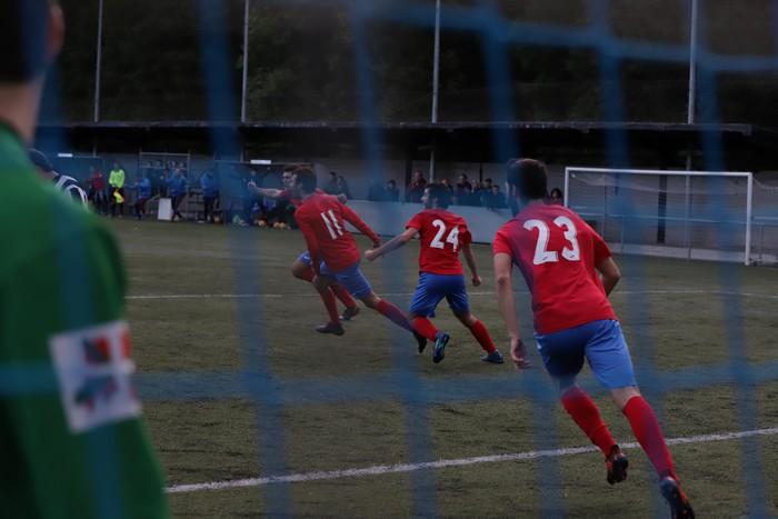 Igoera gertuago du Aloña Mendiko futbol taldeak