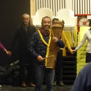 Giro bikainean, Okzitaniako dantzak ikasten