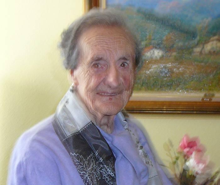 100 urte bete ditu Carmen Aranburuzabalak