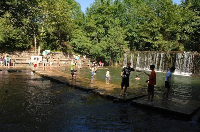Usakoko bainu denboraldia ekainaren 22tik irailaren 15era
