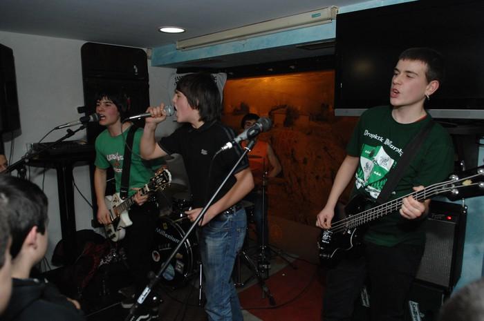 Freedom Boys taldearekin punk eta oi! doinuak Inkernun ...