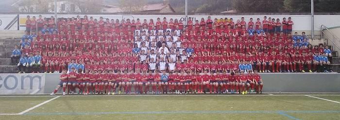 310 futbolari aurkeztu ditu Aloña Mendik