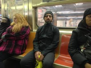 Google-en errealitate areagotudun betaurrekoekin harrapatu dute metroan fundatzaileetako bat