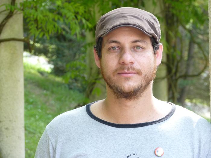 """Carlos Ramirez: """"Venezuelan bultzada eta laguntza eman zaie hedabide txiki, komunal eta auto eratuei"""""""