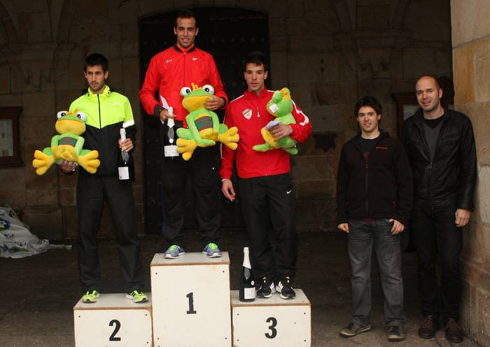 Ivan Fernandez Gasteiztarrak irabazi du Oñatiko Herri Lasterketa