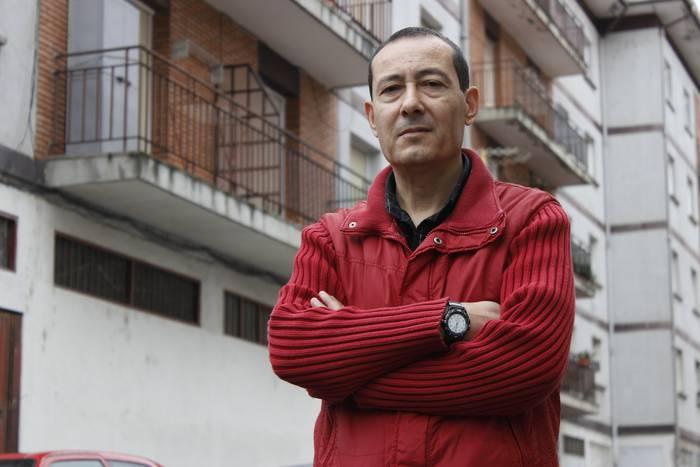 """Isidro Sanchez: """"Kooperatibari eskatzen diogu gure dirua itzultzea"""""""
