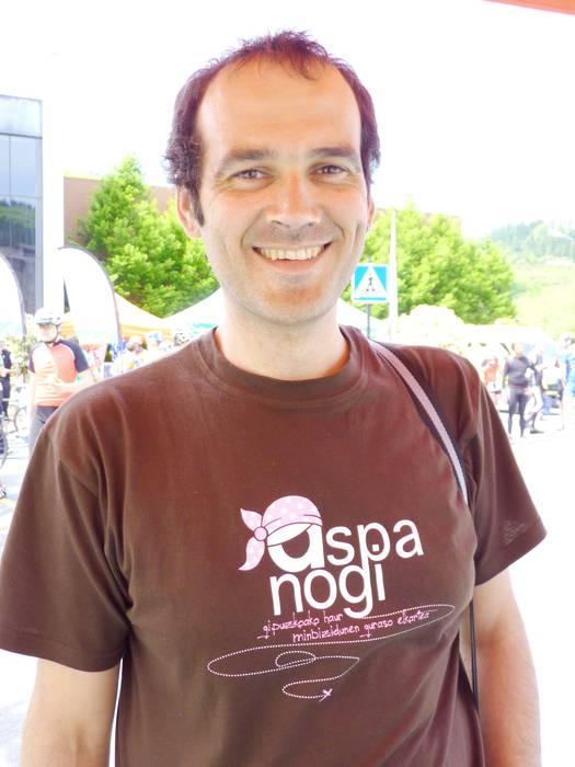 """Jose Luis Fernandez: """"Oso gustura gaude Donostiako Ospitaleko pediatra onkologo eta osasun taldearekin"""""""