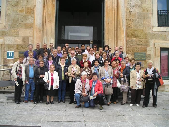 Helduen eskolakoak Burgos aldean izan dira