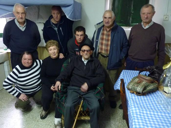 104 urte bete ditu Andres Agirianok