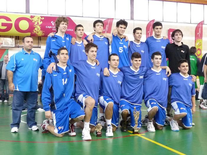 Cornellá talde kataluniarrak irabazi du III. Gabonetako Saskibaloi Txapelketa