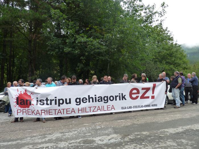 Antzuolako lan-istripua sakon ikertzeko eskatu dute sindikatuek