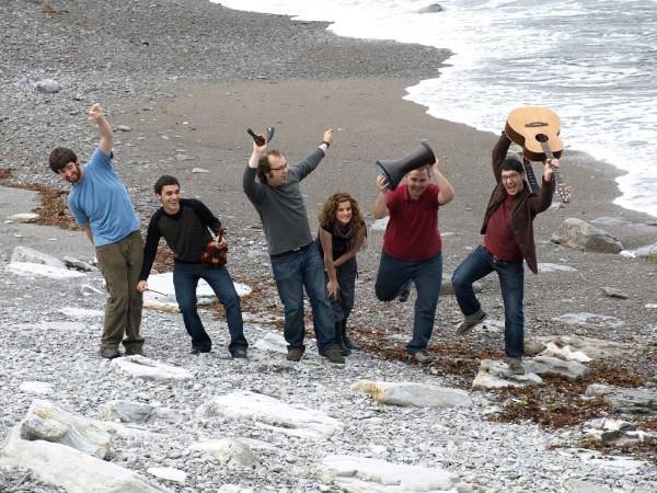 Adarrots taldearen folk doinuak Sastiñan