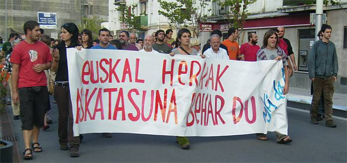 Amnistiaren Aldeko Mugimenduaren aurkako epaia salatzeko, mobilizazioa