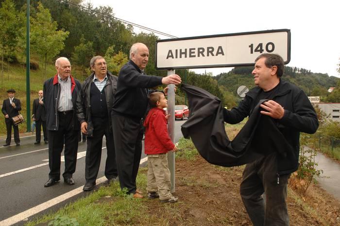 Antzuola-Aiherrako senidetzearen erreleboa gazteek  dute orain